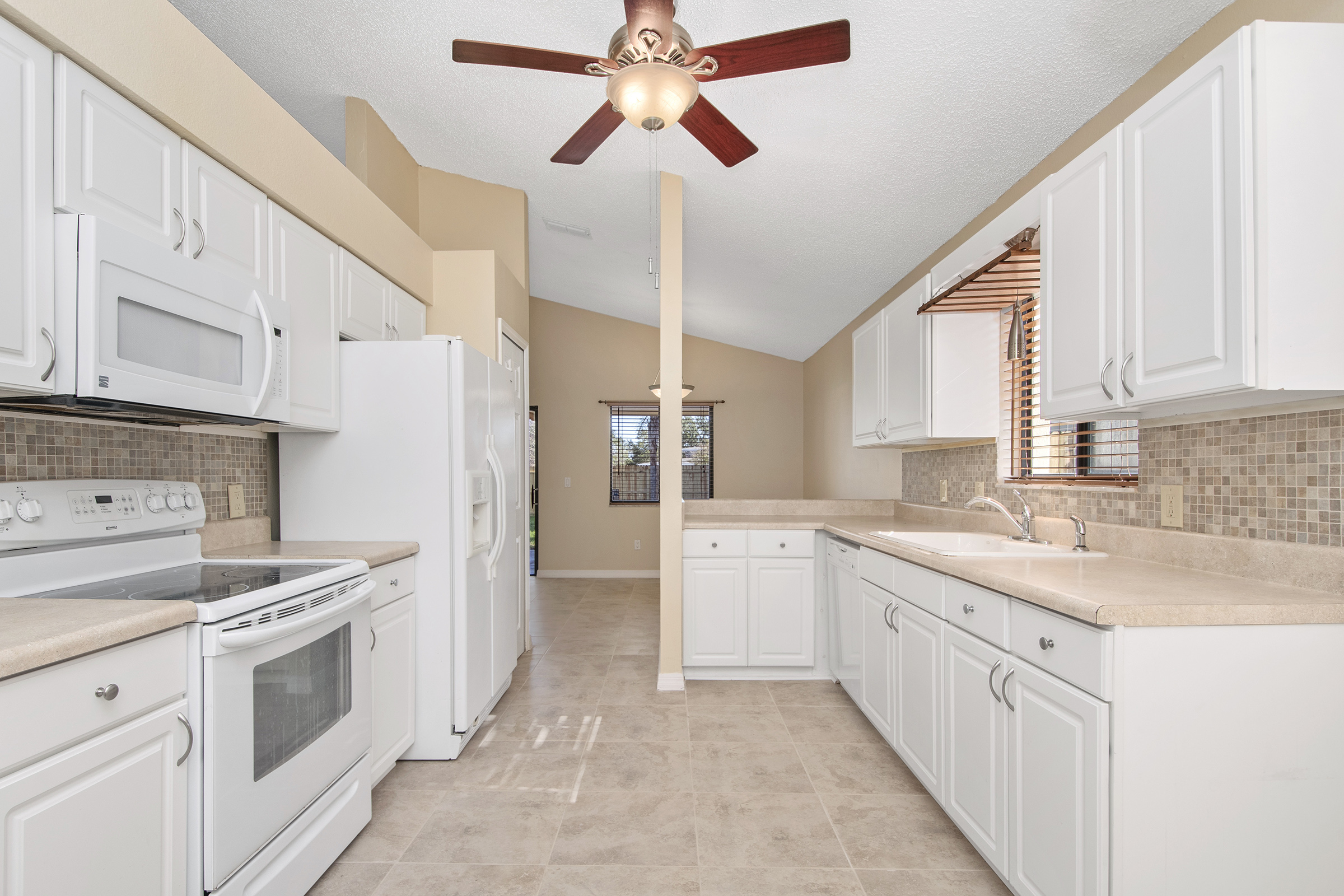 1006 Manigan Ave | Kitchen