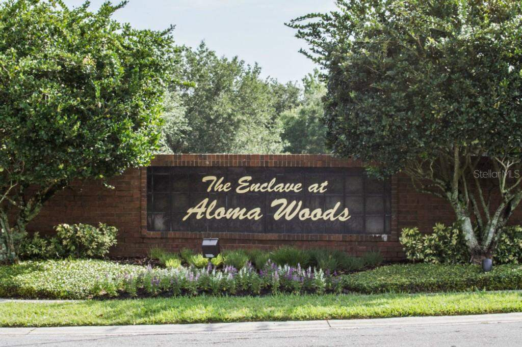Aloma-Woods-Sign
