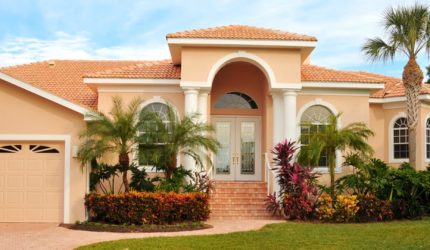 Front view of home in Florida