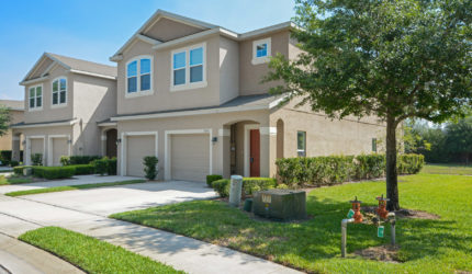Front view of 1620 Purple Plum Ln, Oviedo, FL 32765